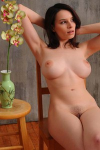 Model Jacqueline in Orchid
