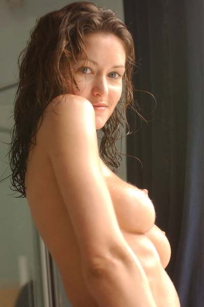 Model Nikkala Stott in Shower rm
