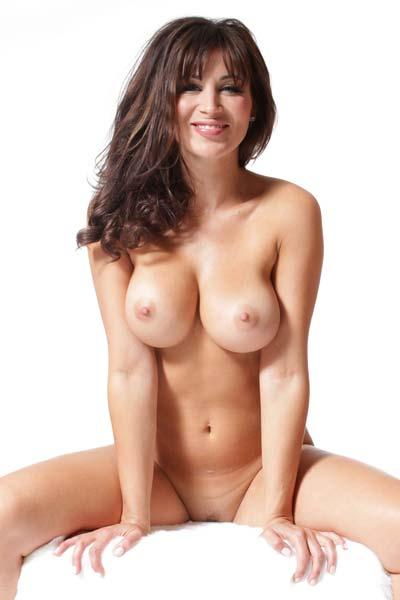 Model Rachelle Wilde in White Hot